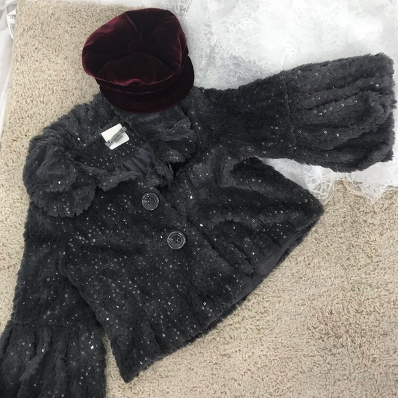 Forever 21 Jackets & Blazers - Forever 21 size Medium Grey Faux Fur, Bell sleeves